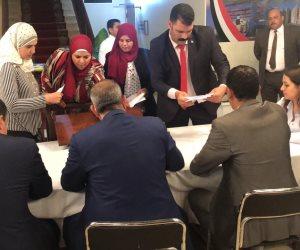 سفارة مصر في عمان تعلق غلق التصويت في الاستفتاء على التعديلات الدستورية وبدء الفرز (صور)