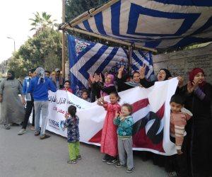 المواطنون يبدأون يومهم الثاني في الاستفتاء على التعديلات الدستورية بالزغاريد والأعلام