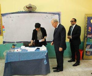 وزير العدل يدلى بصوته فى الاستفتاء على تعديل الدستور