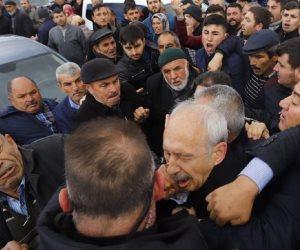 بلطجة حزب أردوغان.. قصة الاعتداء بالضرب على زعيم المعارضة التركية في سرداق عزاء