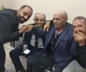 ببوس الأيادي.. حزب أردوغان يكرم المعتدي بالضرب على زعيم المعارضة
