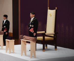 جولة في صحف العالم.. إمبراطور جديد لليابان واشتباكات بـ«فنزويلا»