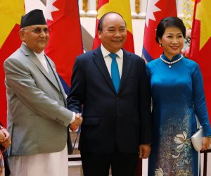 جولة في صحف العالم.. رئيس وزراء فيتنام يستقبل نظيره النيبالي بعروض عسكرية