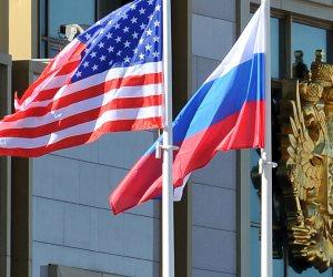 تقسيم النفوذ في العالم بين الدولتين.. خبير يقترح مبادرة لإنهاء التوتر بين روسيا وأمريكا