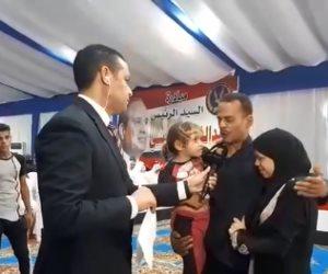 عيدية الرئيس.. أحد الغارمين بعد الإفراج عنه: «تحيا مصر.. يحيا السيسي» (فيديو)