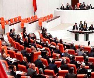 حلفائك باعوك يا ديكتاتور .. 80 نائب من حزب أردوغان يعتزمون الإنشقاق