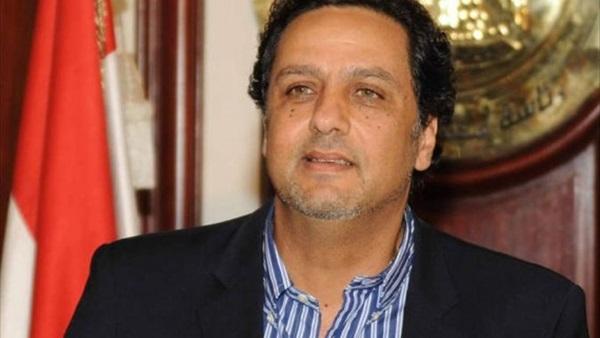 حازم عبدالعظيم: عائدات قناة السويس تراجعت 109 ملايين دولار
