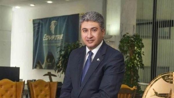 وزير الطيران يتفقد مبنى الركاب الجديد رقم «2» بمطار القاهرة