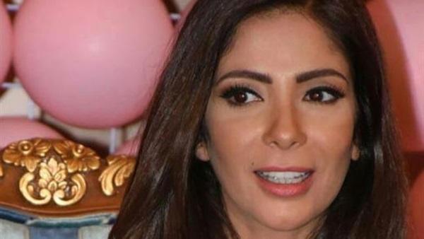 منى زكي تشارك جمهورها بصورة من «سبوع» مولودها الجديد