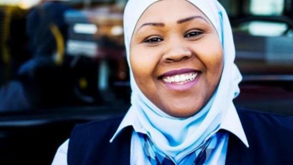 «عائشة».. أول سائقة نقل عام في النرويج