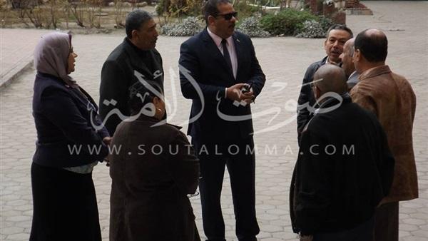 مدير «تعليم غرب الإسكندرية» يزور مدرسة الشهيد حازم أسامة