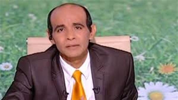 الإعلامي محمد موسى متهم بـ«الـفبركة».. قدم برلماني كسائق «توك توك»
