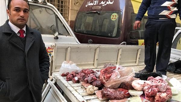 ضبط سيارة تحمل لحوم فاسدة قبل توزيعها على مطاعم إمبابة