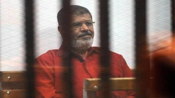 تأجيل محاكمة مرسي و24 آخرين في «إهانة القضاء» لجلسة 8 أبريل