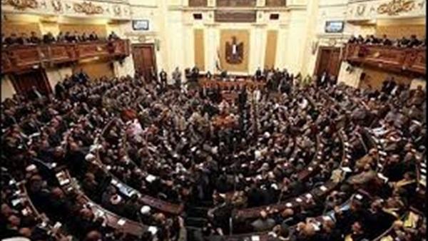 «اقتصادية النواب» تطالب بتسوية المتأخرات المالية للملحقين التجاريين