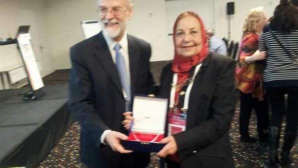 باحثة مصرية تحصل على جائزة منظمة الجينوم لعام 2107 عن قارة إفريقيا