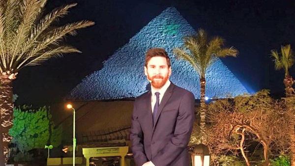 بعد ساعات من وصوله مصر.. «ميسى» سفير الأمل