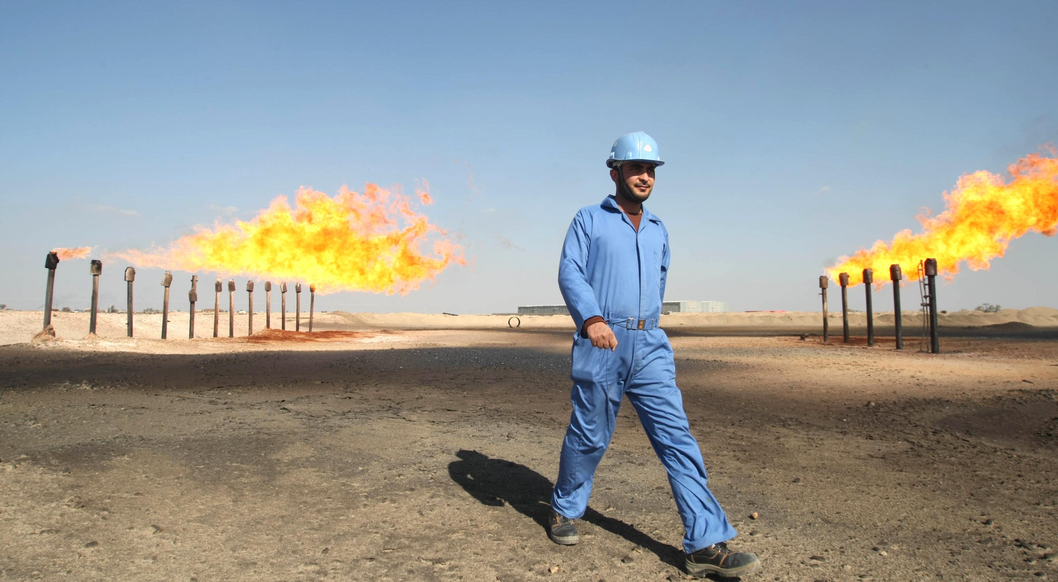 صورة لأحدى مصانع المواد البتروية في العراق