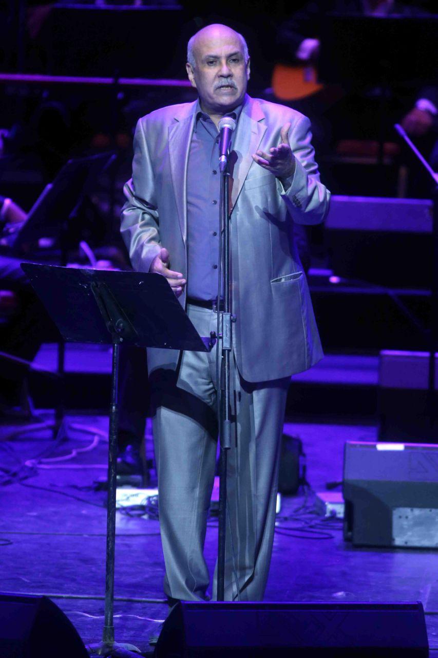 الشاعر جمال بخيت خلال كلمته في مؤتمر الموسيقى العربية في دار الأوبرا المصرية