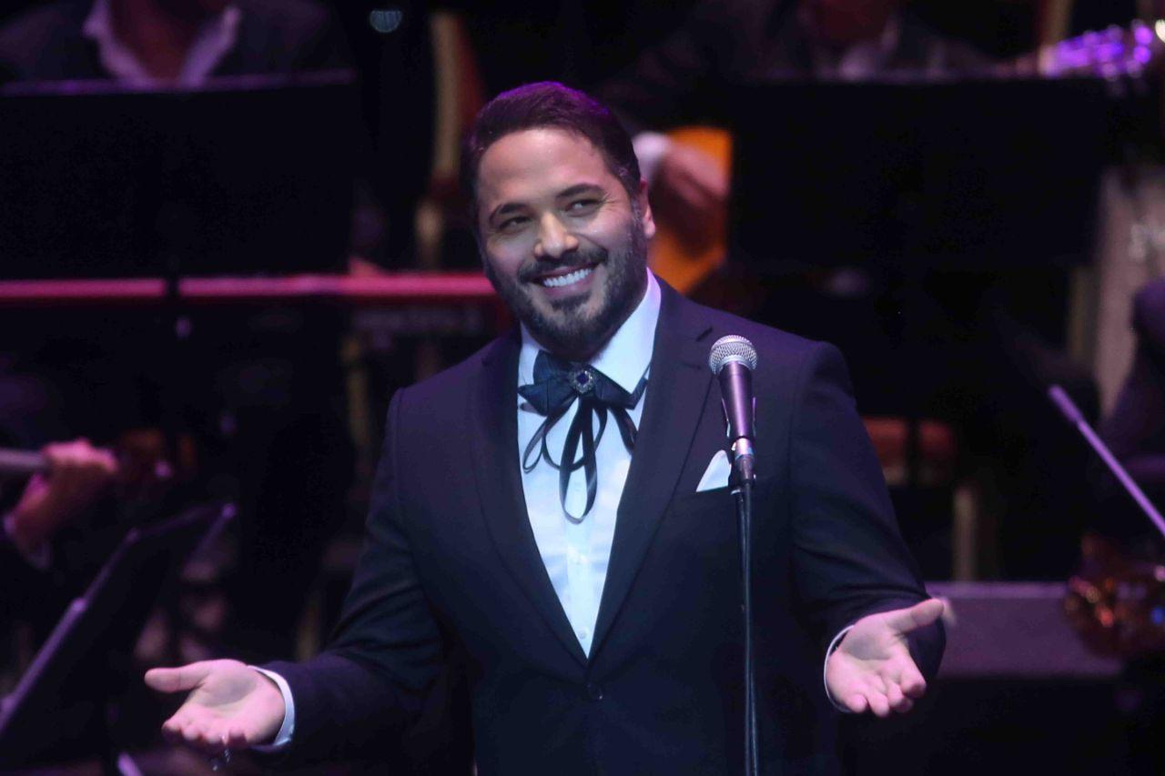 الفنان رامي عياش خلال حفله في مؤتمر الموسيقى العربية