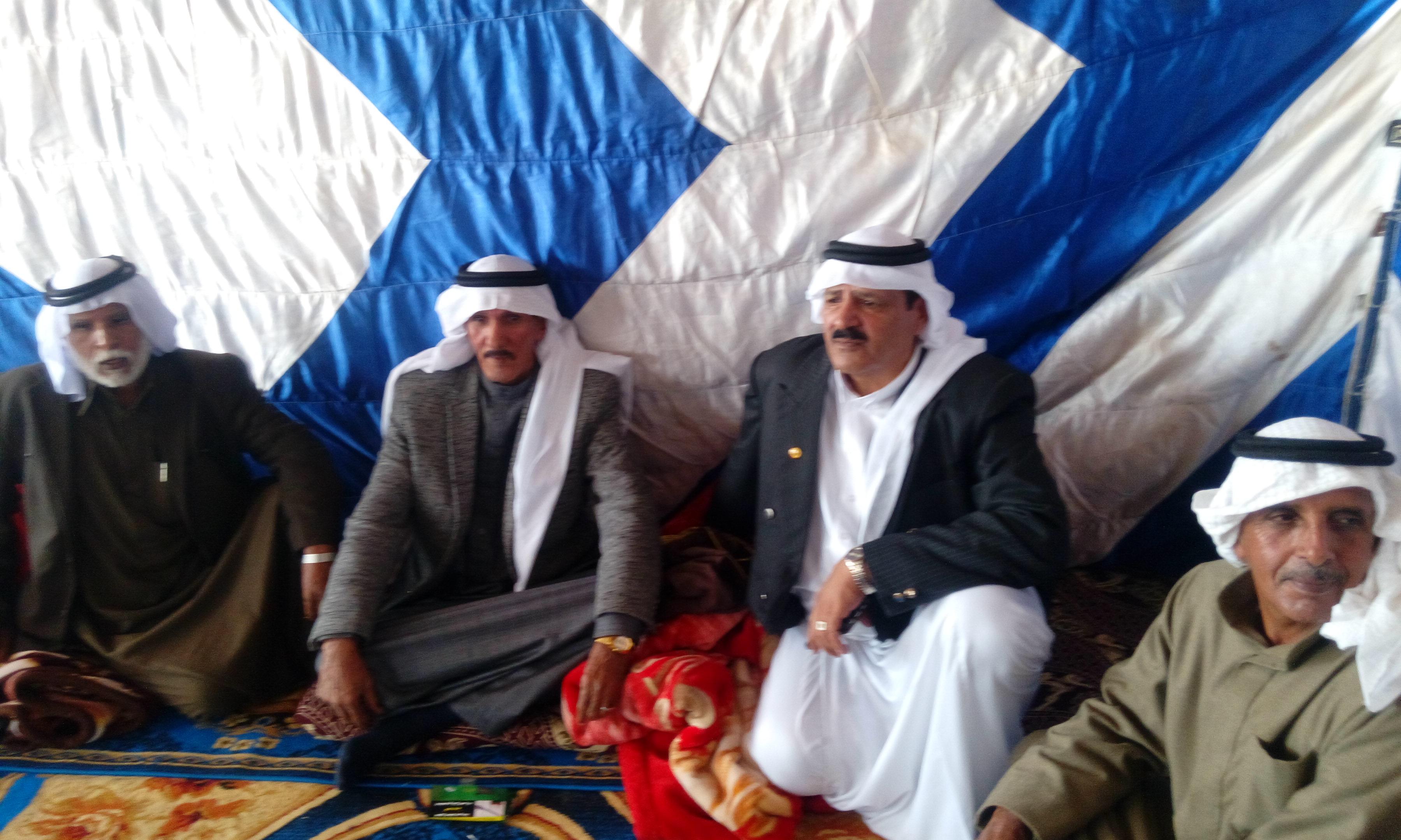 محافظ جنوب سيناء يستمع الى مشاكل البدو