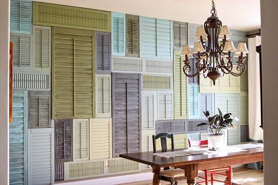 استخدام قطع الشيش بألوان مختلفة لتغطية حوائط المنزل