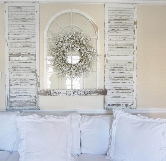 تعليق قطعتين من الشيش على حوائط غرف النوم بشكل متوازي
