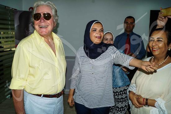 زيارة حسين فهمي لصوت الأمة (8)