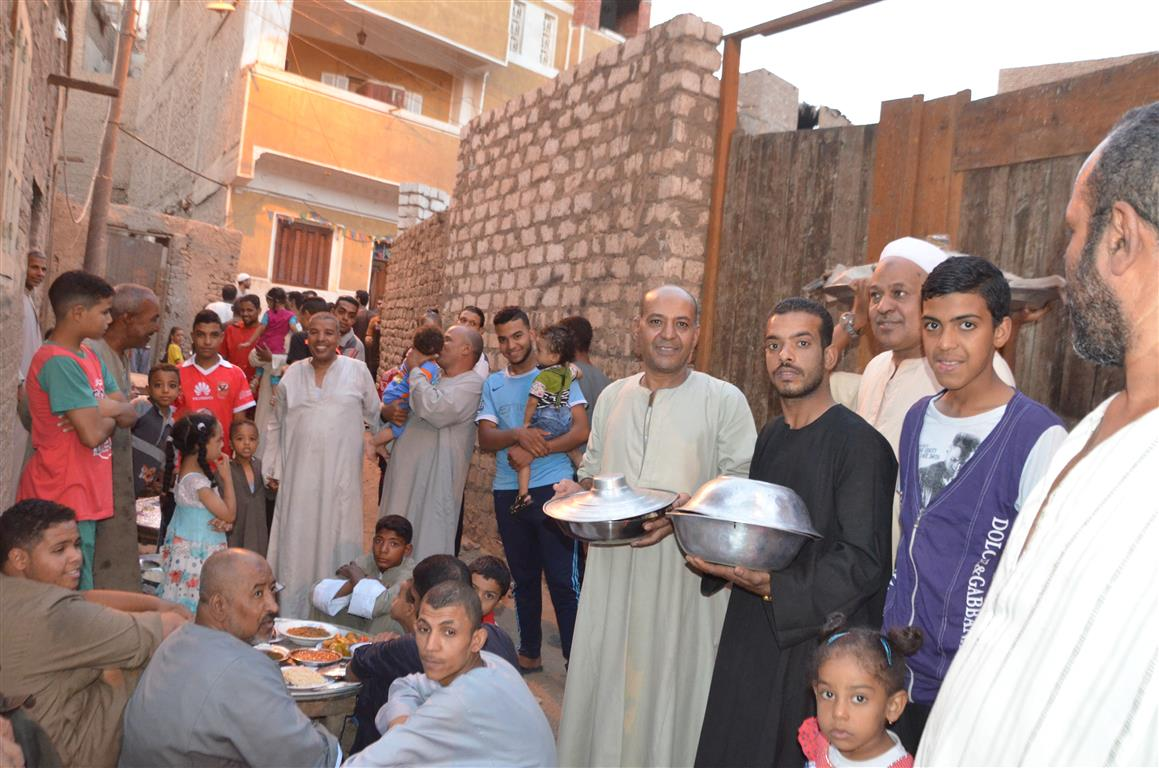 افطار جماعي لاهالي عزبة يوم عرفة بالاقصر (6)