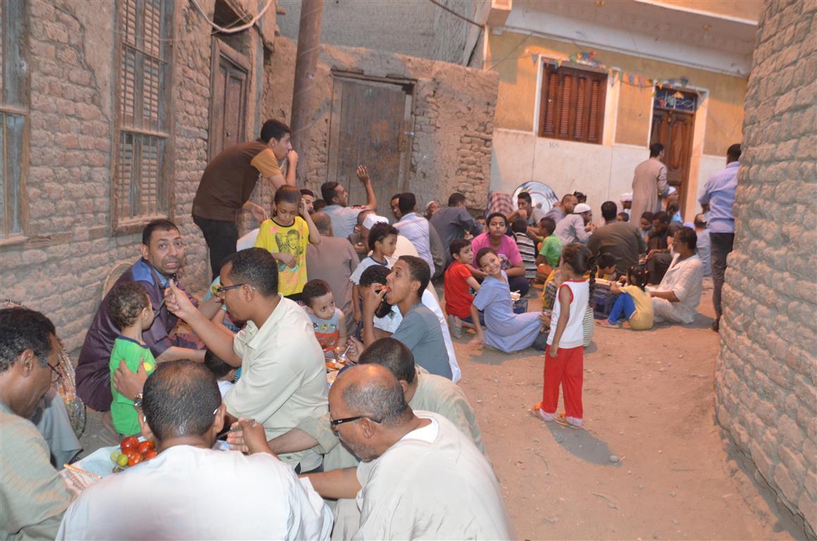 افطار جماعي لاهالي عزبة يوم عرفة بالاقصر (1)