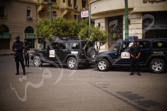 مدير أمن القاهرة يتفقد الخدمات الأمنية ويهنئ المواطنين بالمتنزهات (9)