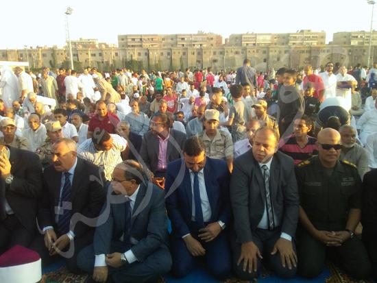 6- جانب من الاحتفال والصلاة