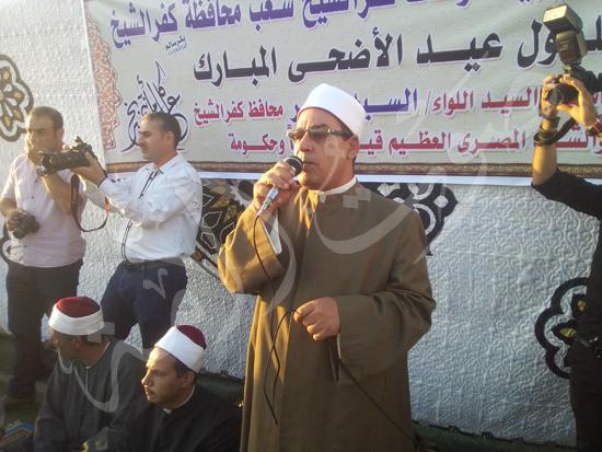 10- الشيخ يصد الفقي وكيل الزارة يلقي خطبة العيد
