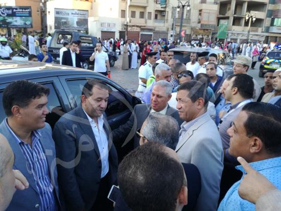محافظ الاقصر ومدير الامن يشهدان صلاة العيد (6)