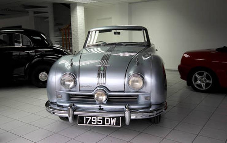 سيارة الملك فاروق المعروضة ببريطانية