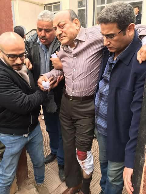 ننشر صور هشام جنينة عقب التعدي عليه أثناء خروجه من فيلته