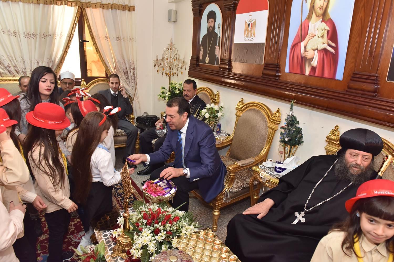 زيارة الكنائس في اليوم الثاني للتهنئة بعيد الميلاد المجيد (4)