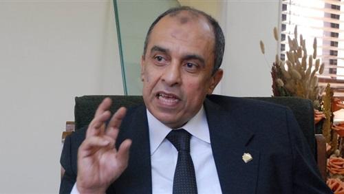 عز الدين أبوستيت وزير الزراعة