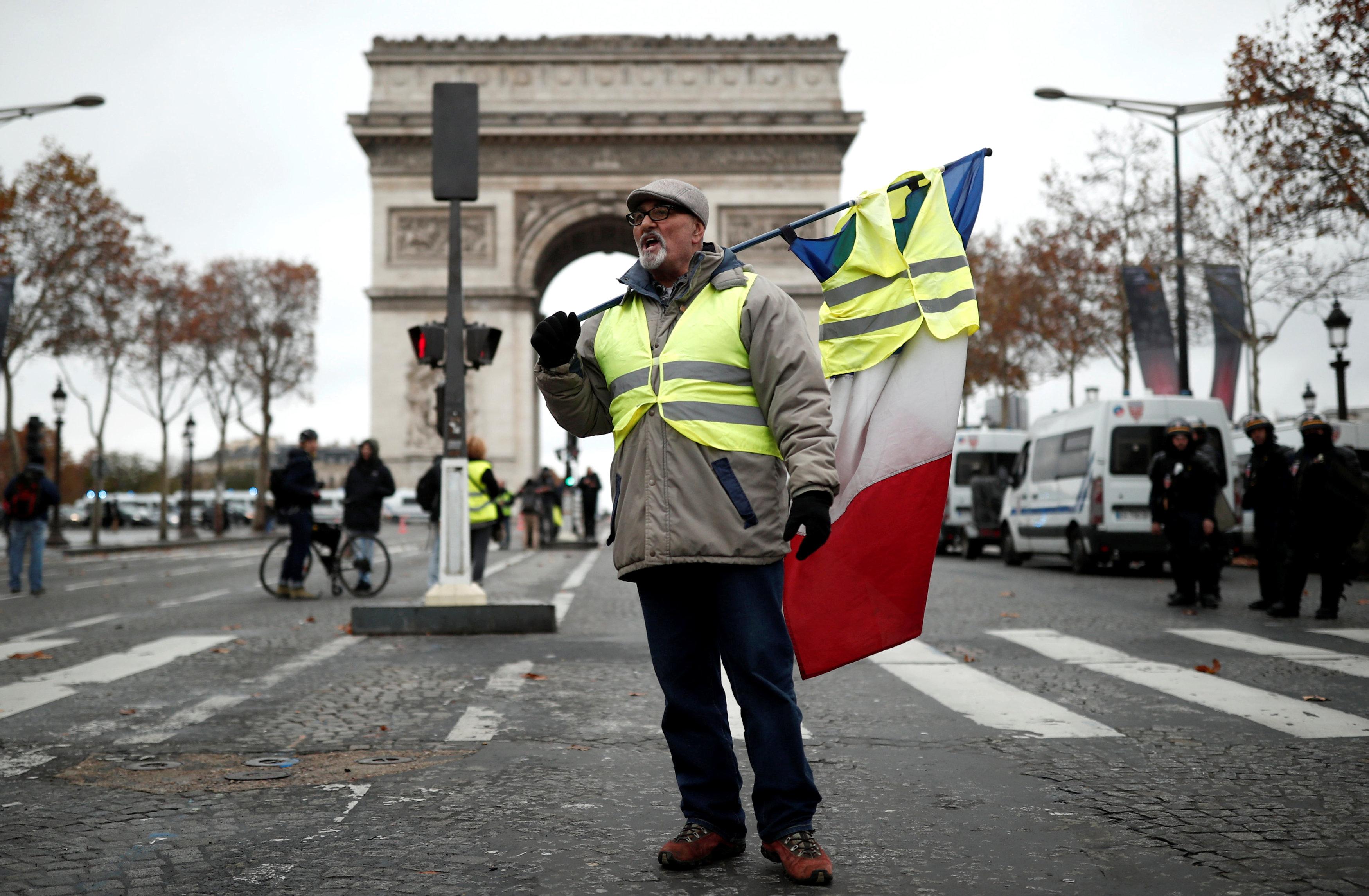مظاهرات فرنسا (4)