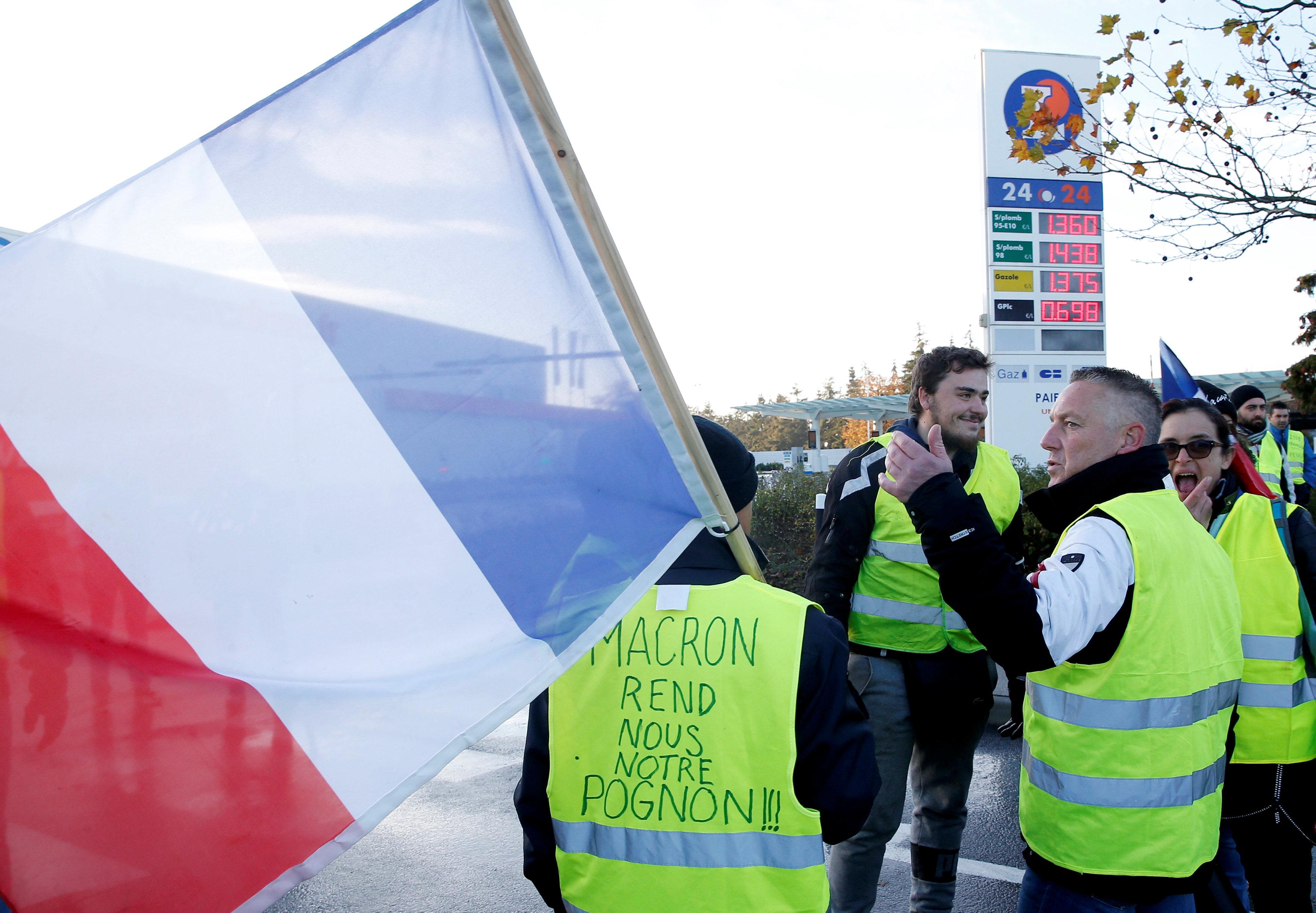 مظاهرات فرنسا (9)