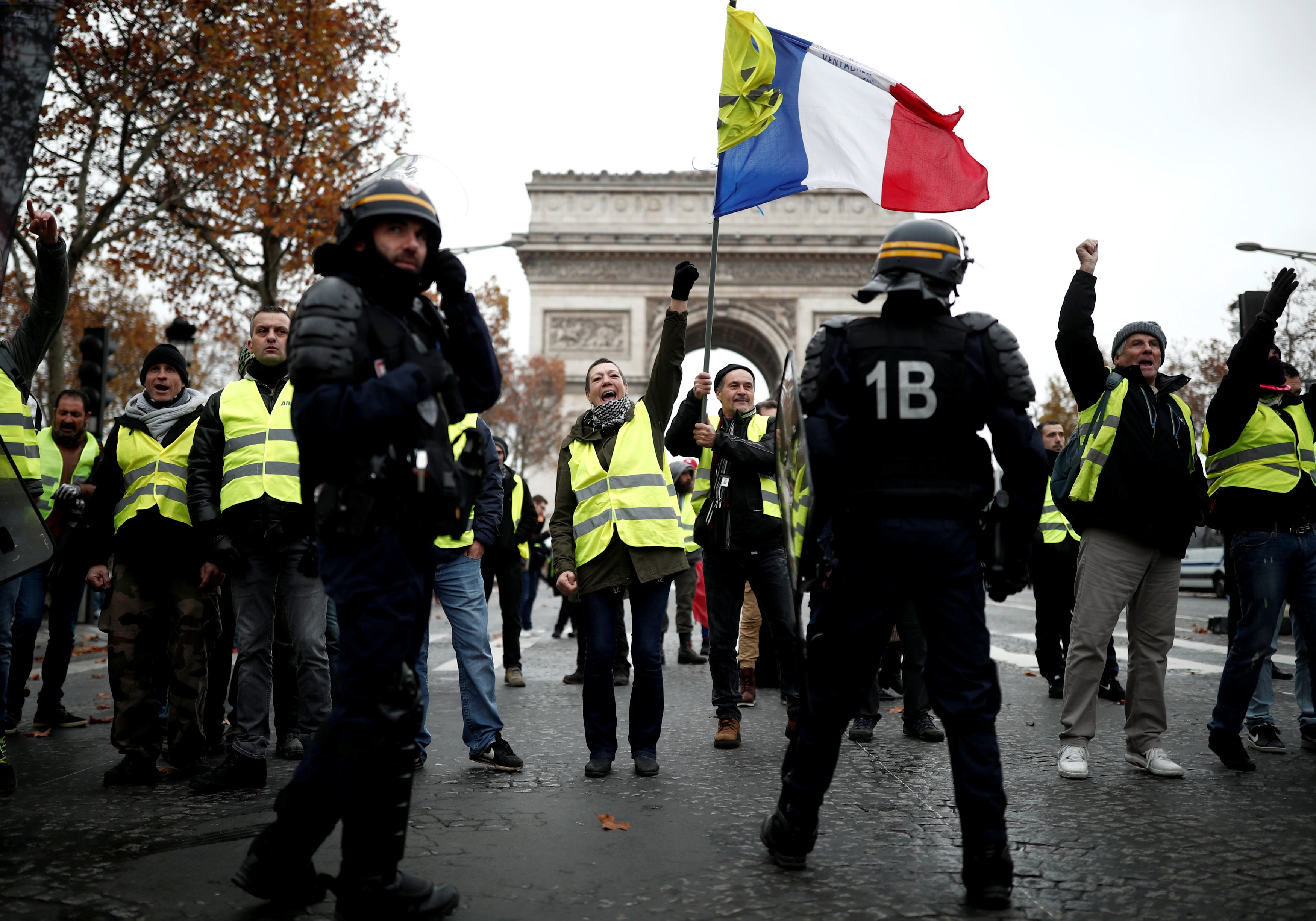 مظاهرات فرنسا (7)