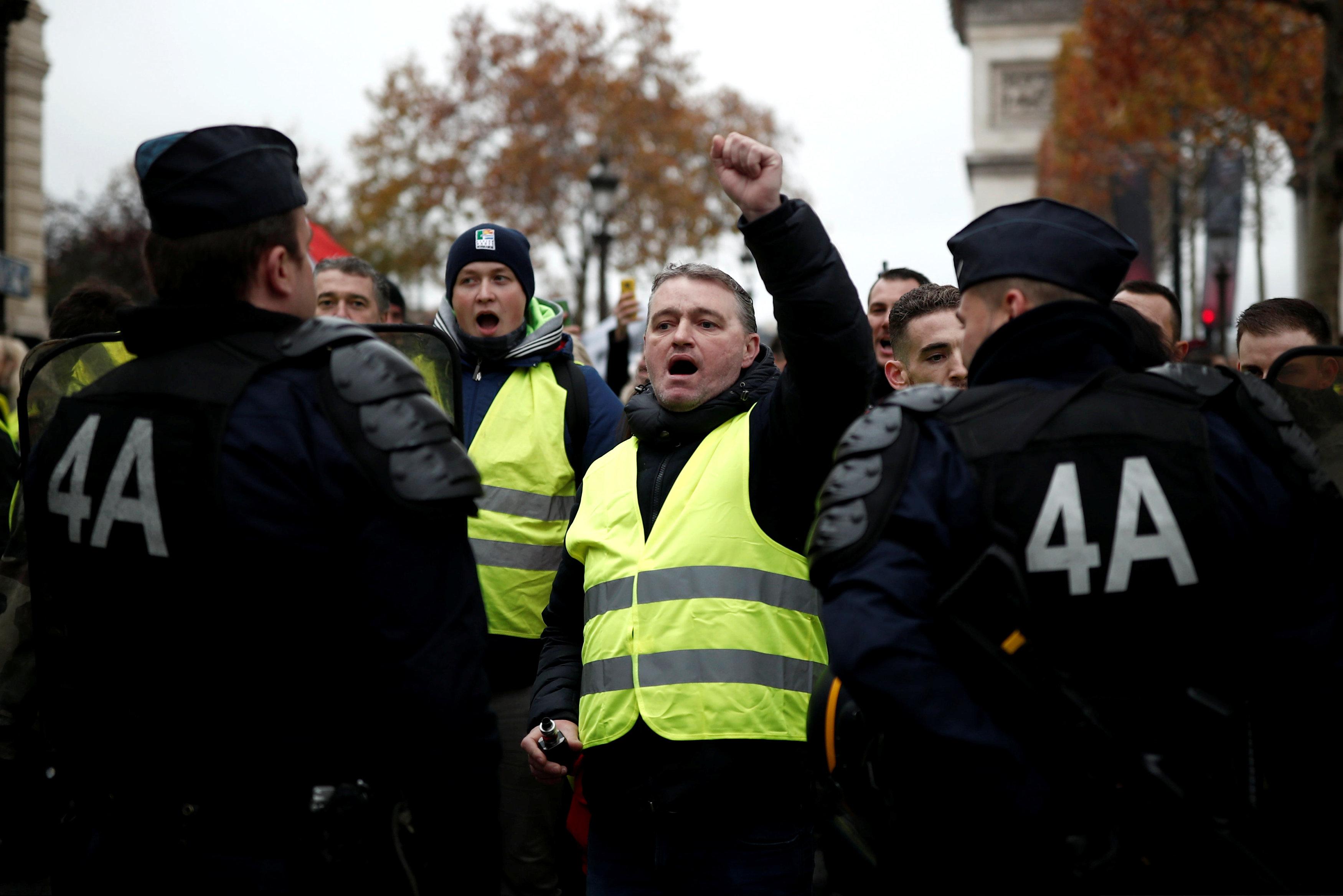 مظاهرات فرنسا (6)