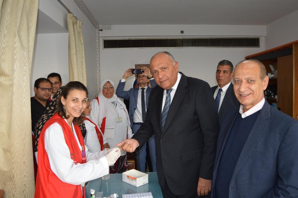 وزير الخارجية يشارك في مبادرة 100 مليون صحة (2)
