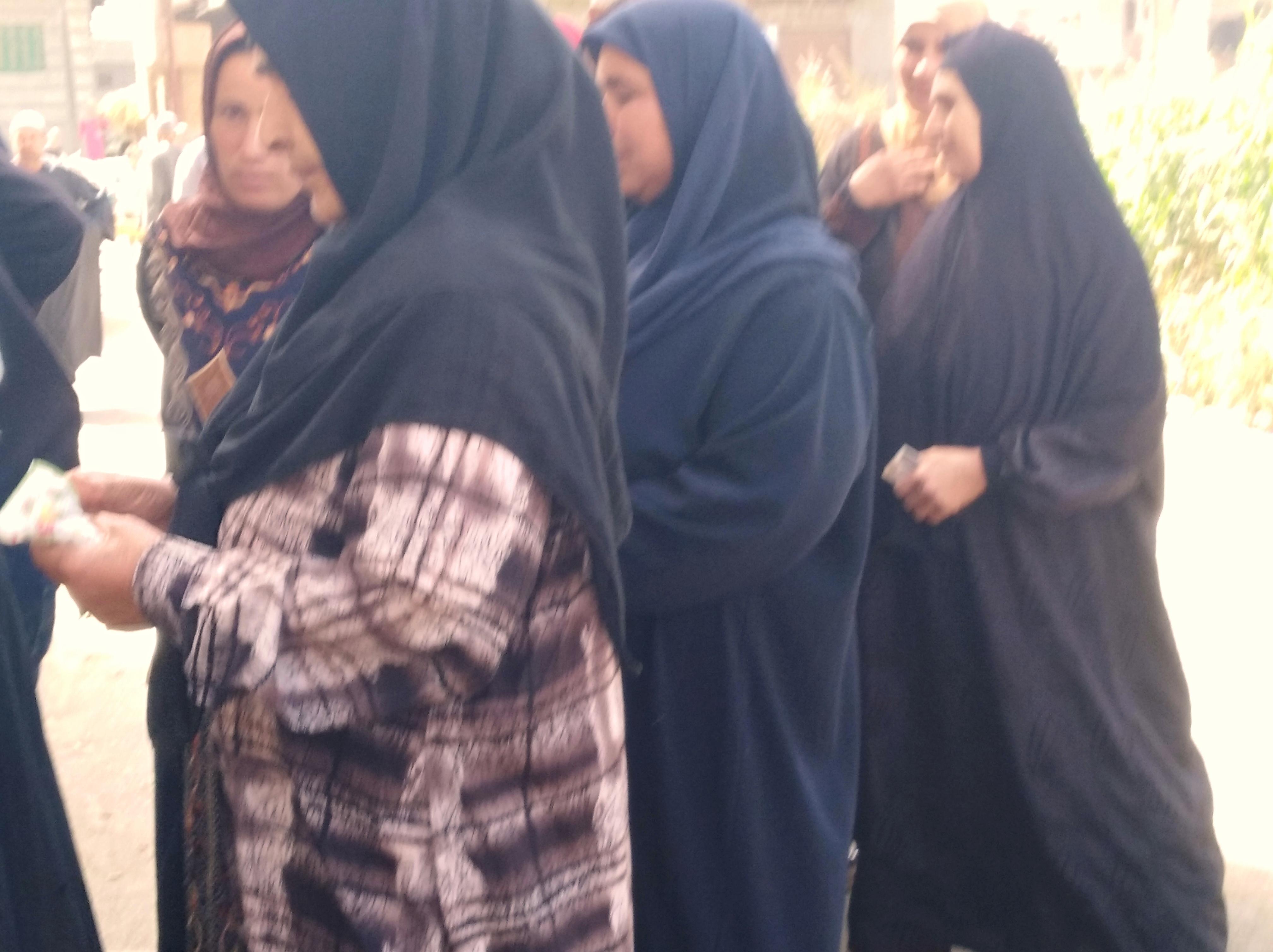 إقبال الننساء على التصويت فى البحيرة (2)