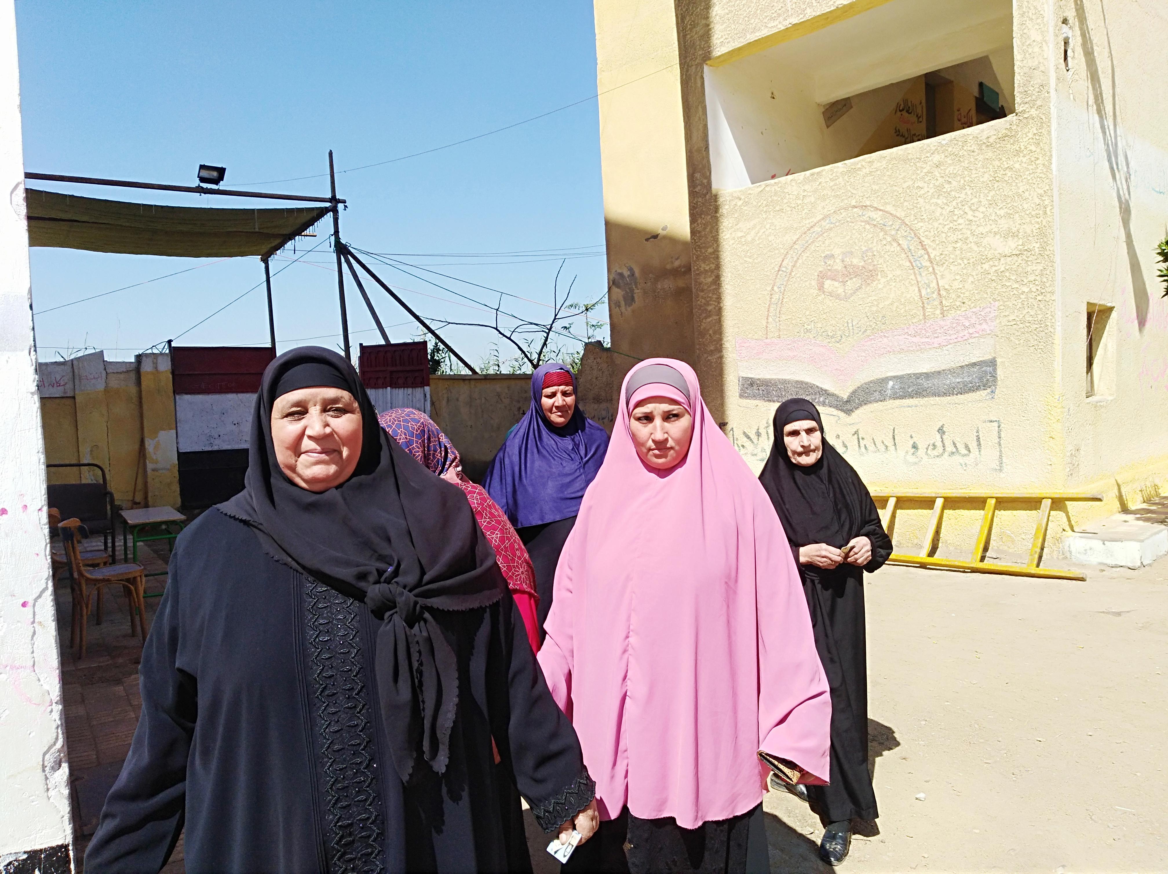 إقبال الننساء على التصويت فى البحيرة (4)