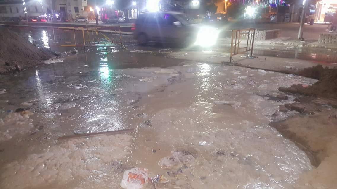 انفجار خط المياه المغذى لمدينة المحلة (1)