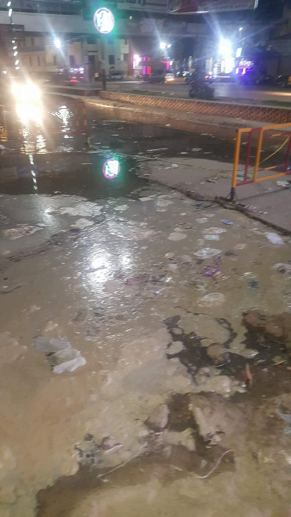 انفجار خط المياه المغذى لمدينة المحلة (4)