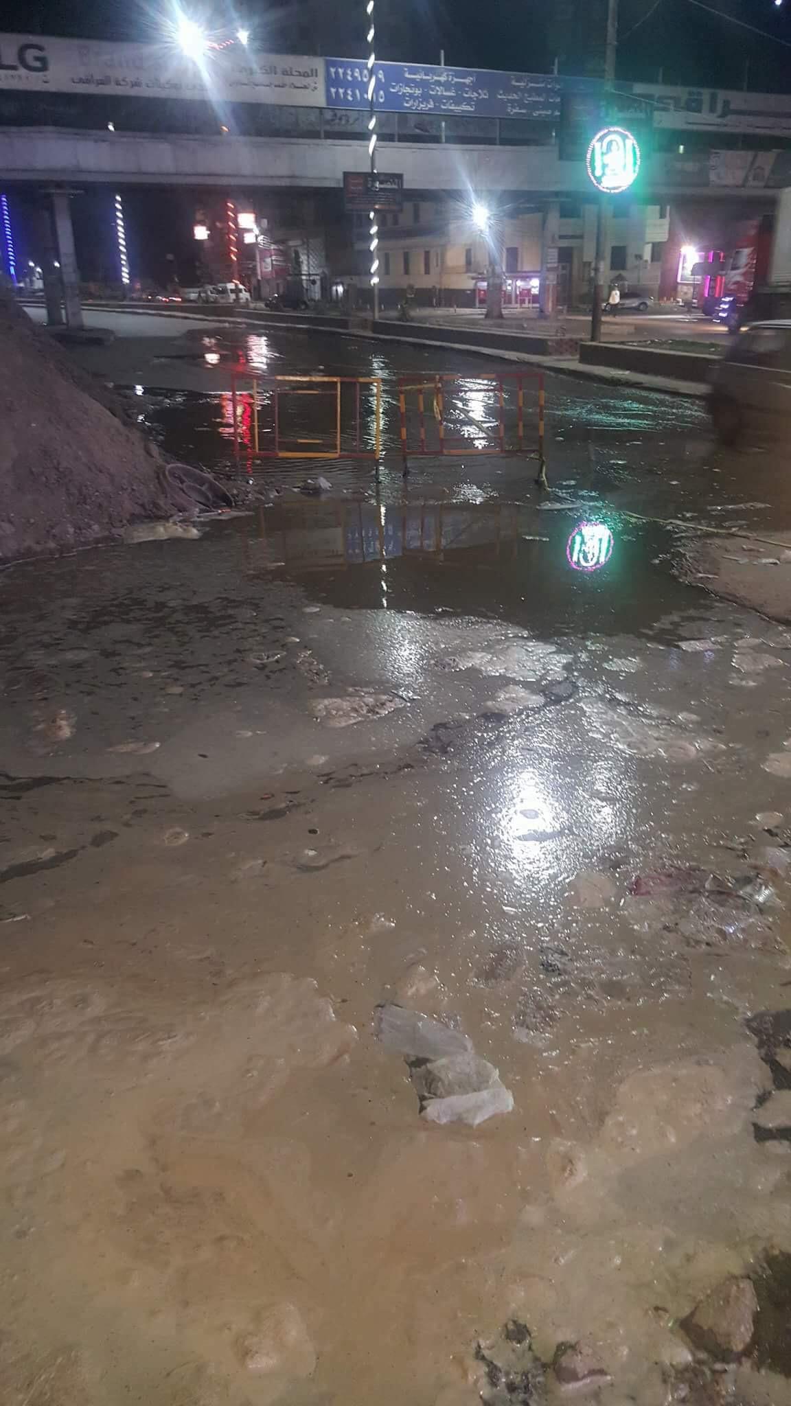 انفجار خط المياه المغذى لمدينة المحلة (5)