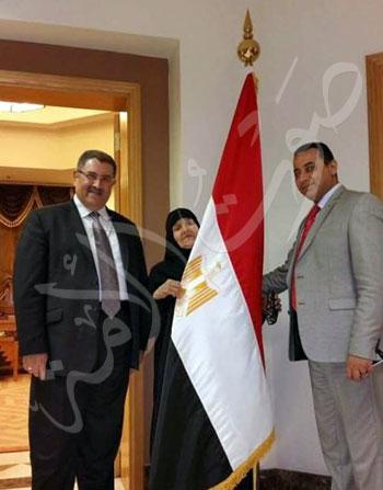 الحاجة سعدية داخل القنصلية المصرية بجدة بعد الإفراج عنها