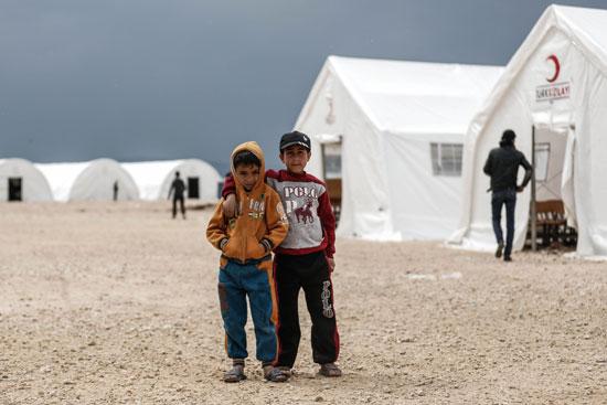 44148-صور-أطفال-سوريا-داخل-مخيمات-اللاجئين-(1)